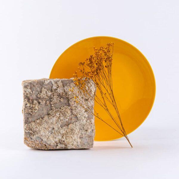 assiette en porcelaine jaune française 25cm