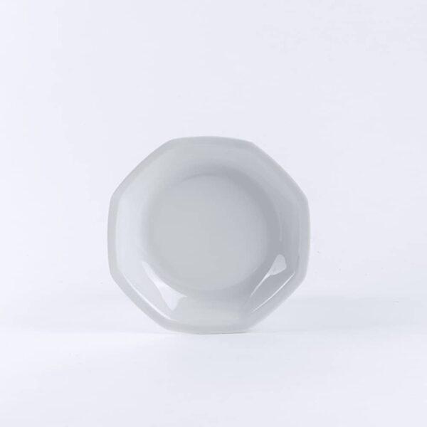 Assiette creuse en porcelaine blanche de limoges française. 19cm