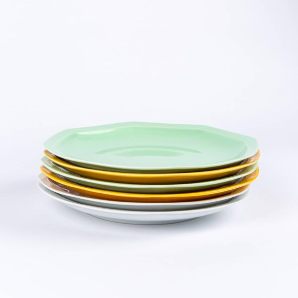 Pack de 6 assiettes octogonales en porcelaine verte, jaunes et blanches française. 24.5cm