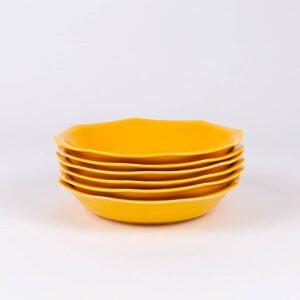 Pack de 6 assiettes creuses octogonales en porcelaine jaune française.